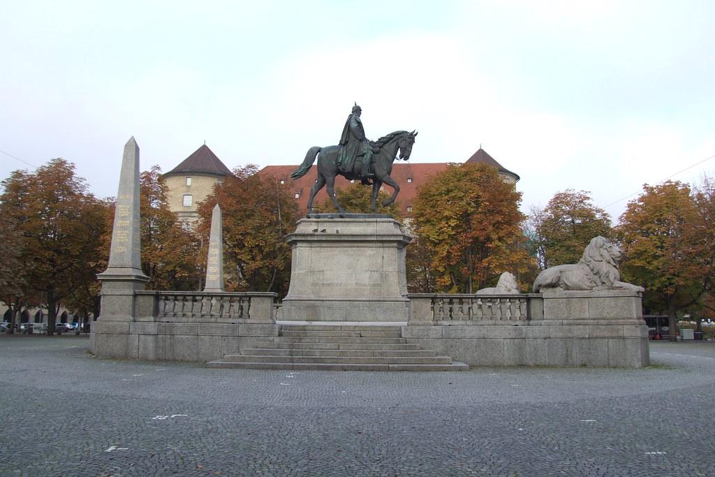 Reiterdenkmal vor der Stuttgarter Staatsgalerie